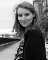 Dr Elisa deCourcy